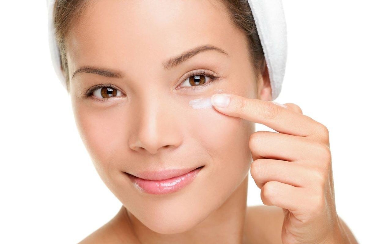 Как быстро убрать морщины под глазами в домашних условиях (#обзор методов).