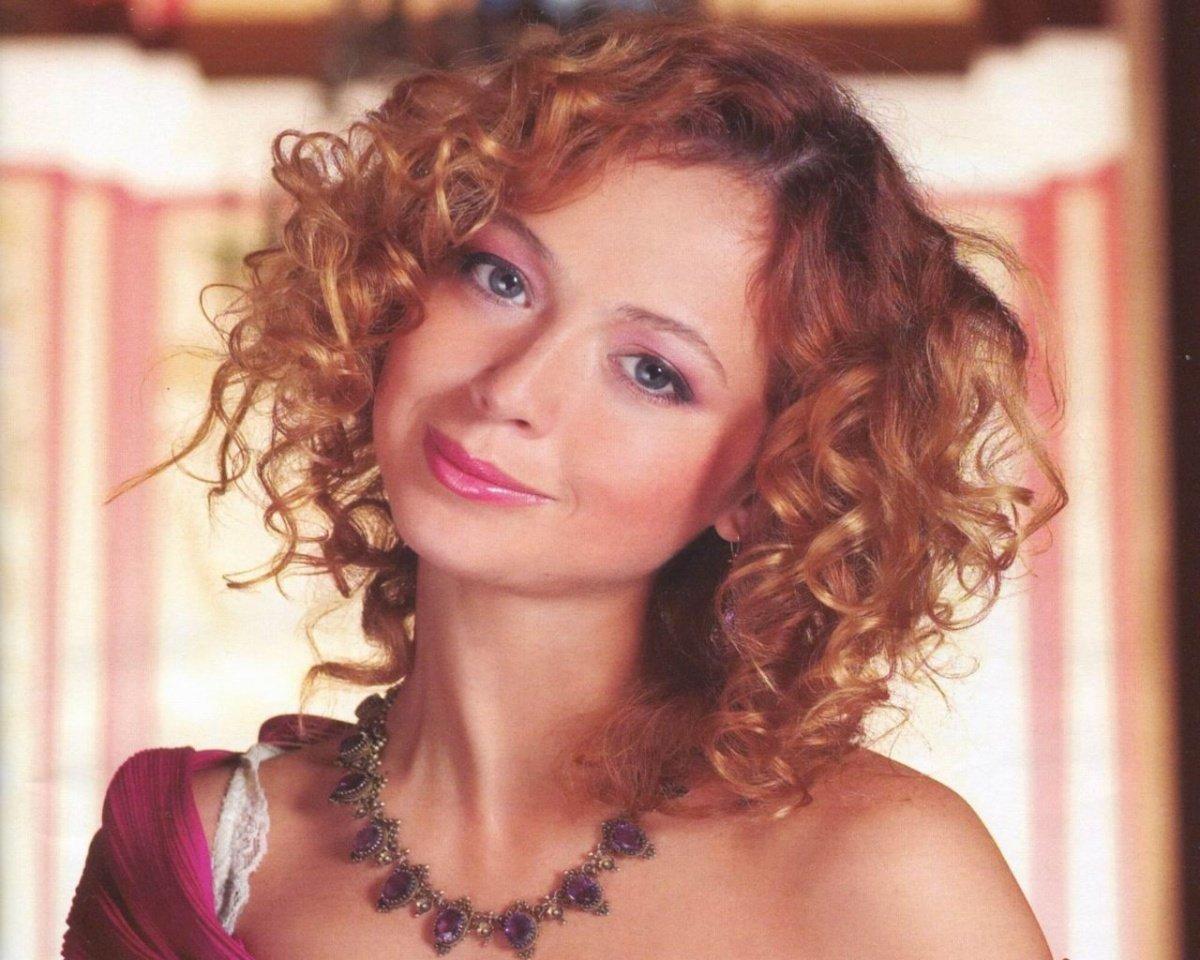 русские актрисы рыжие фото купальник, сразу можно