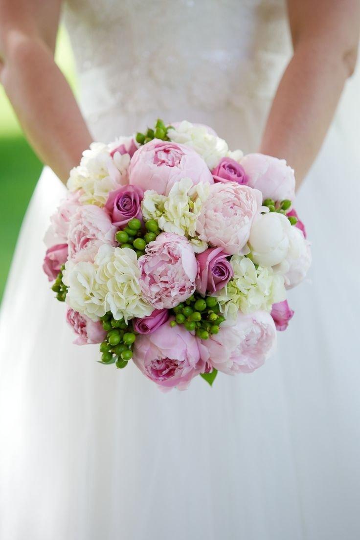 Свадебные букеты из роз и пионов, букет дню