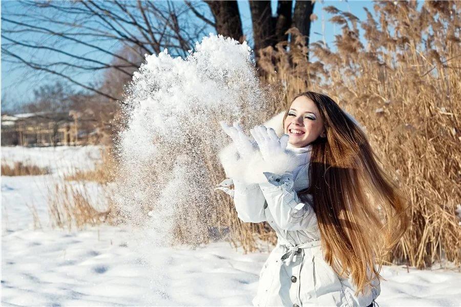 как фотографироваться зимой на улице позы сих про плену