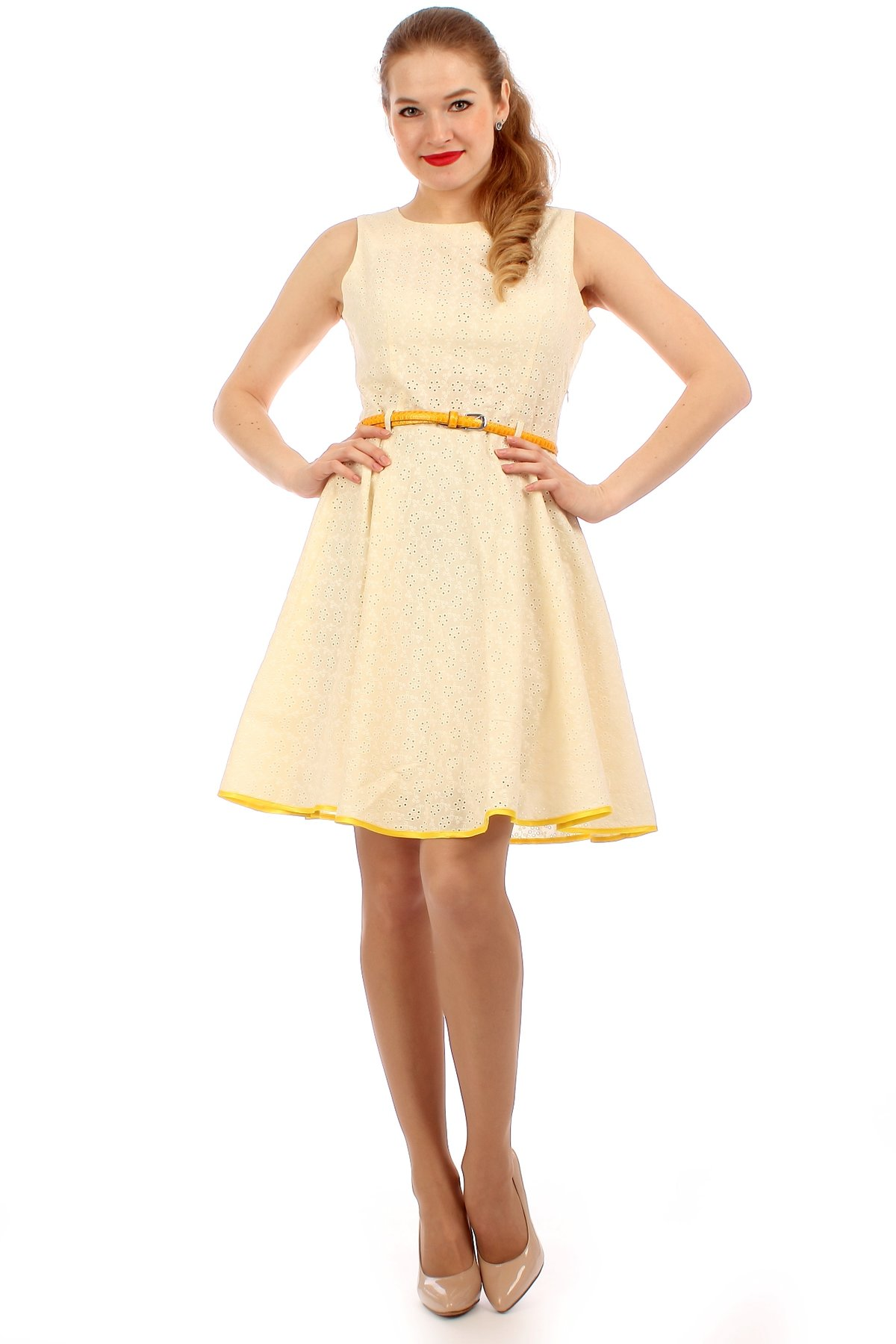Туфли бежевого цвета с платьем