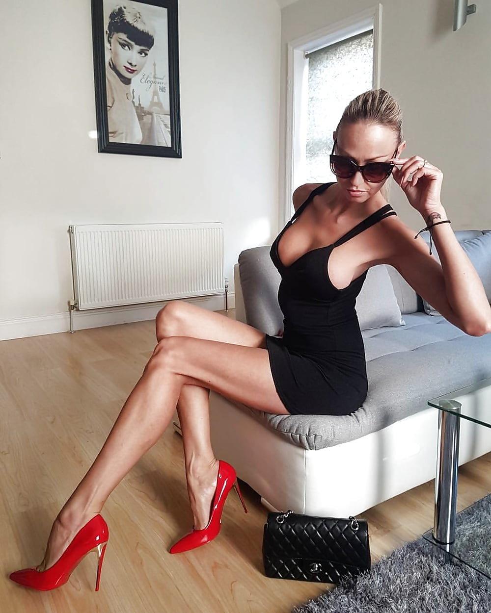 Nude Wife In Heels