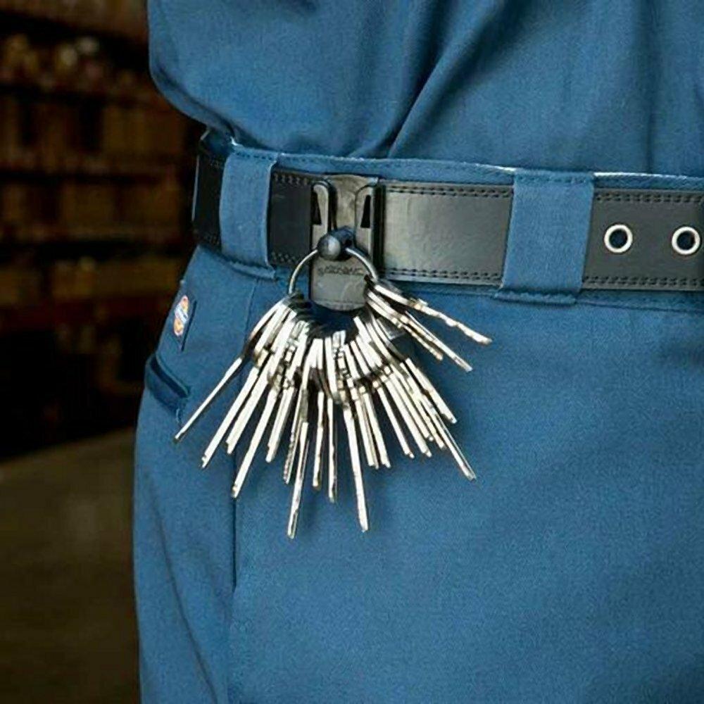 Пластиковый держатель для ключей на пояс