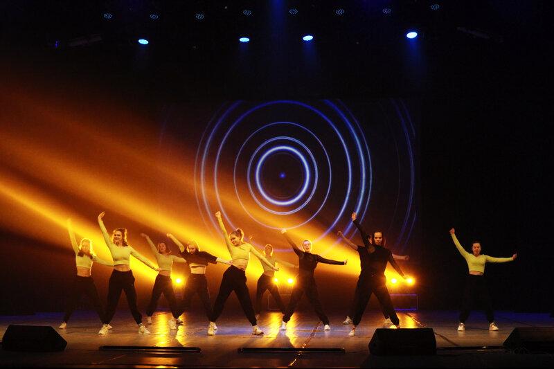 Фестиваль «Молодежная весна» в Тольятти. Нарезка фото с видео Street show «Только вперед»