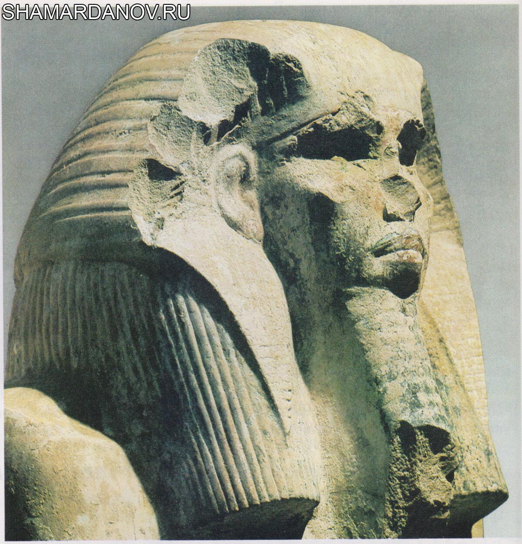 Фараон Джосер в храме мертвых (фрагмент скульптуры из гробницы в Саккаре, ок. 2600 до н.э.; Каир, Египетский музей)