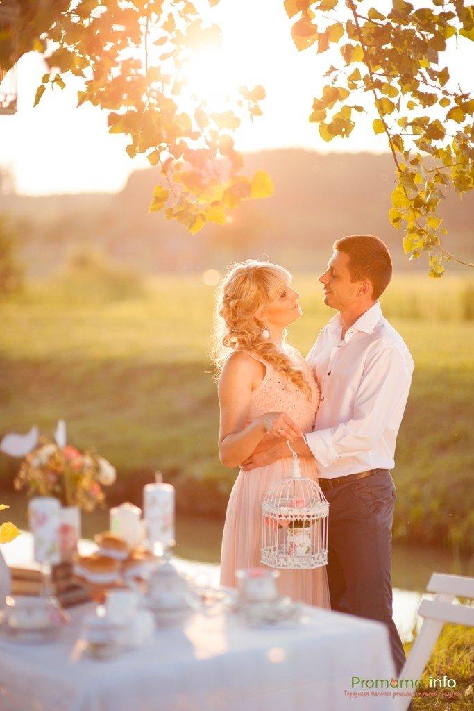 это фотосессия юбилея свадьбы книге идет