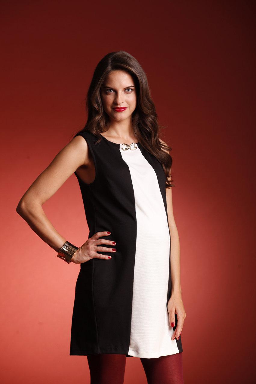 30dd15334a22 черно-белое платье с вертикальным разделением для беременной ...