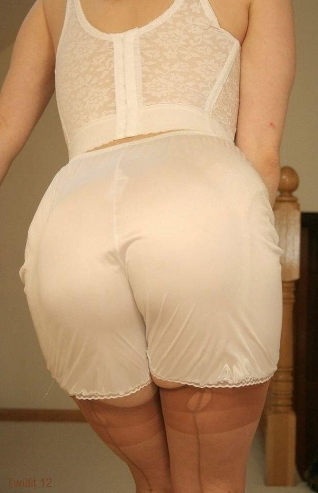 панталоны на женской попе фото фотографии