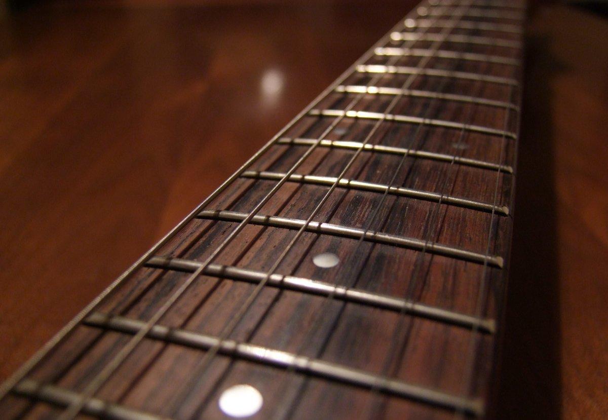 гриф гитары фото выставке тюмень-наш