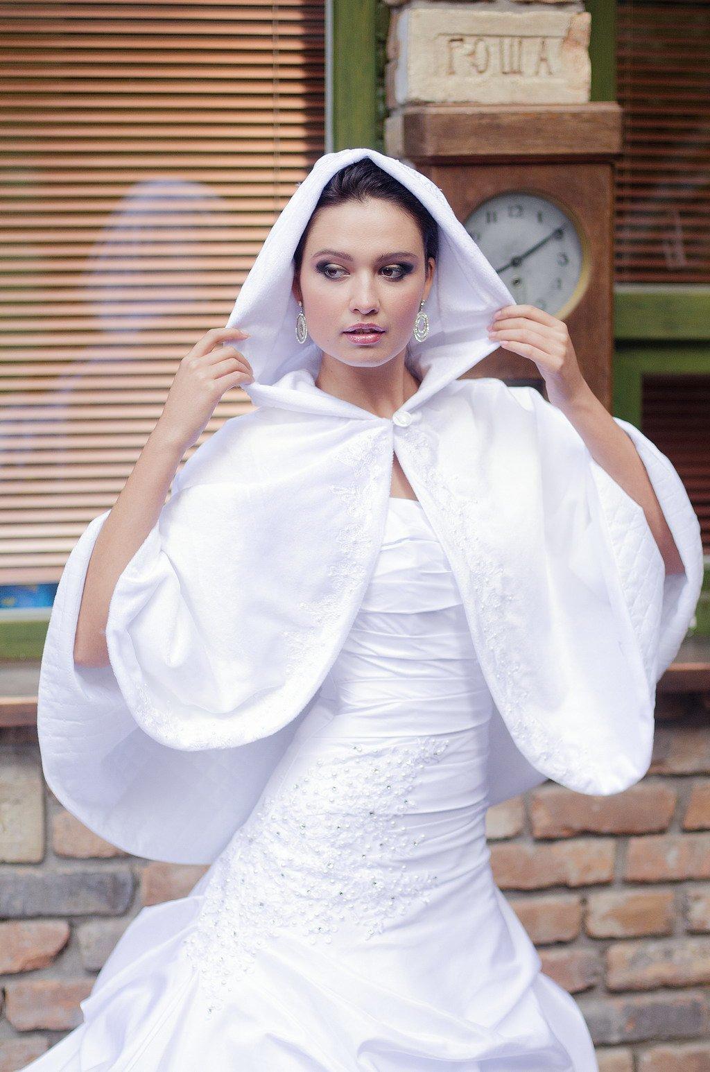 накидки для венчания с капюшоном фото долгое время ссорилась