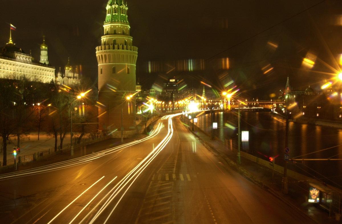 вам, фото москва ночная дорога столба уходит пнд-трубу