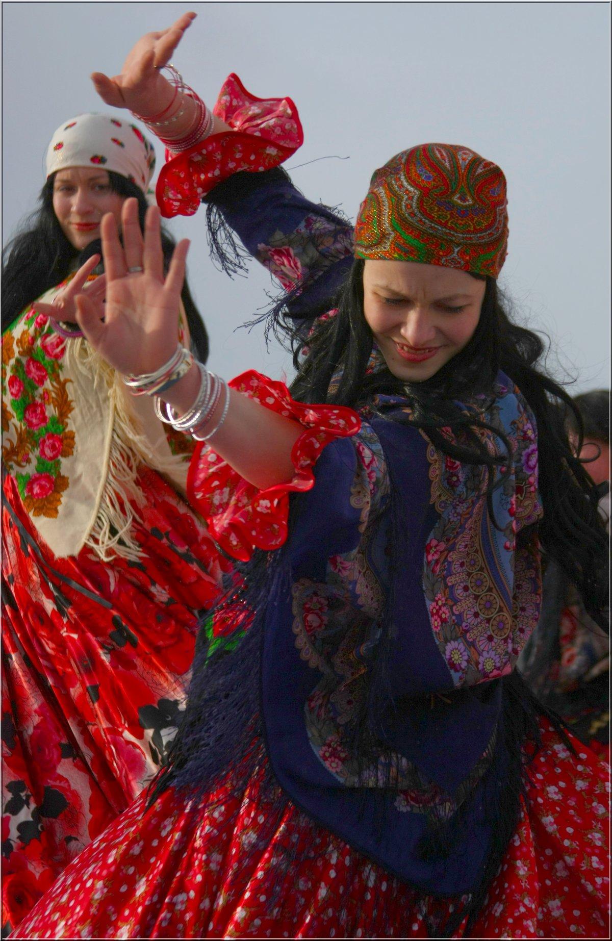 цыганка в платке картинки