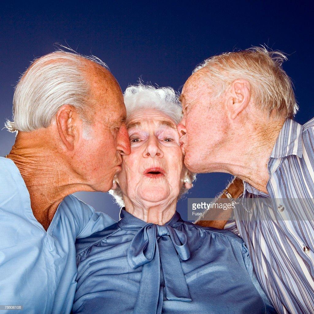 smotret-seks-pro-starikami-bolshie-puhlenkie-popi