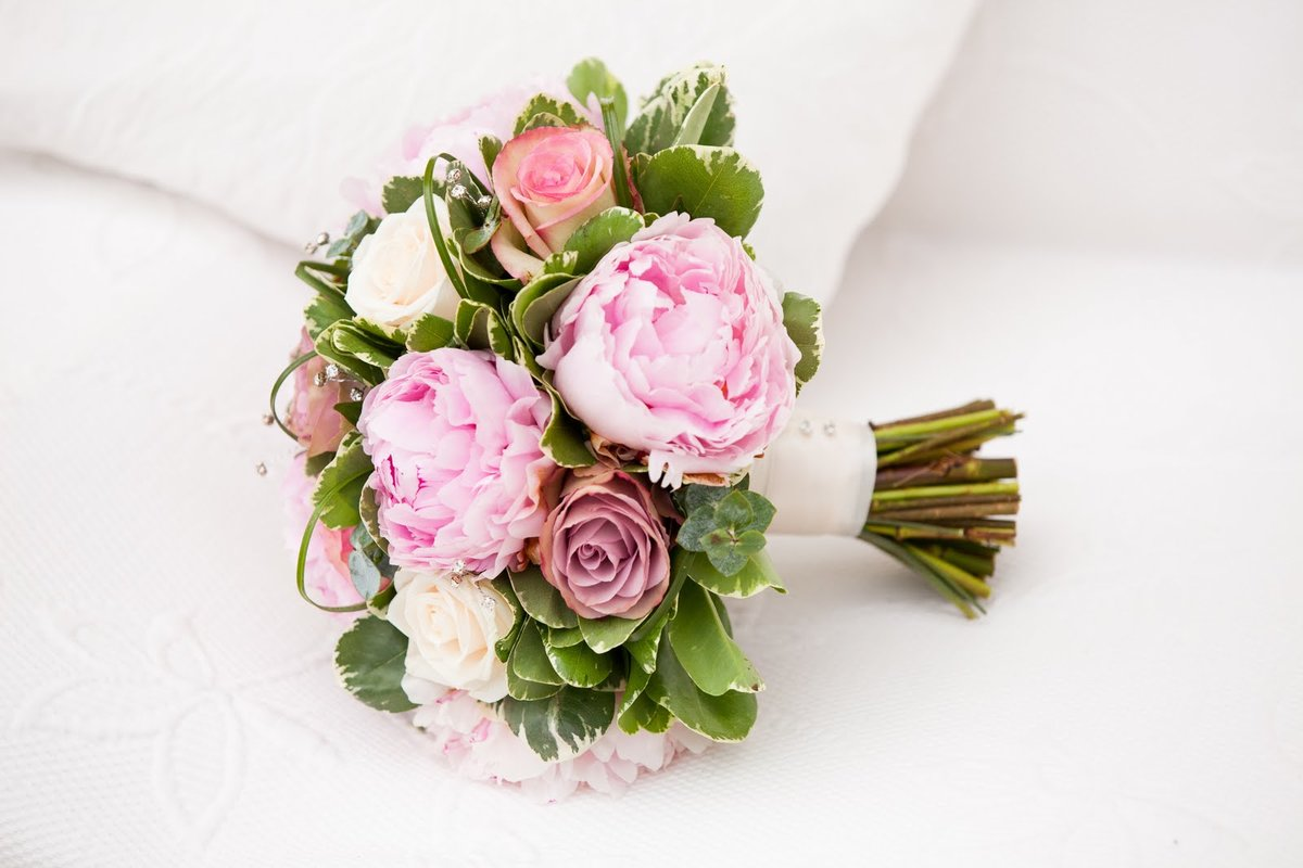 Винтажный букет для невесты из пионов спб, цветов
