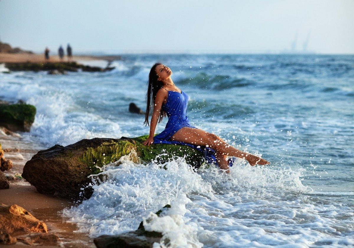 Картинки девушки и море, поздравление