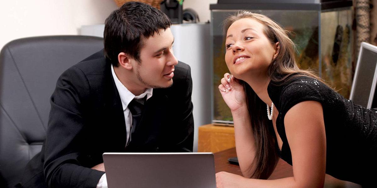 Он и она после работы вечером в офисе видео, смотреть онлайн порно давалки на улице