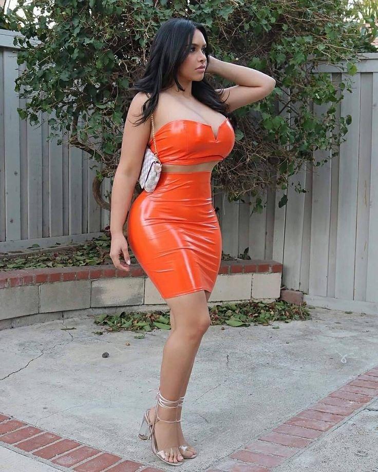 big-boobs-tight-skirt-amateur-sex