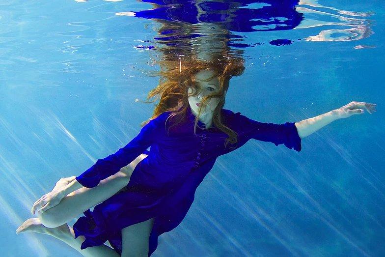 фотосъемка под водой в бассейне фото интерьеров