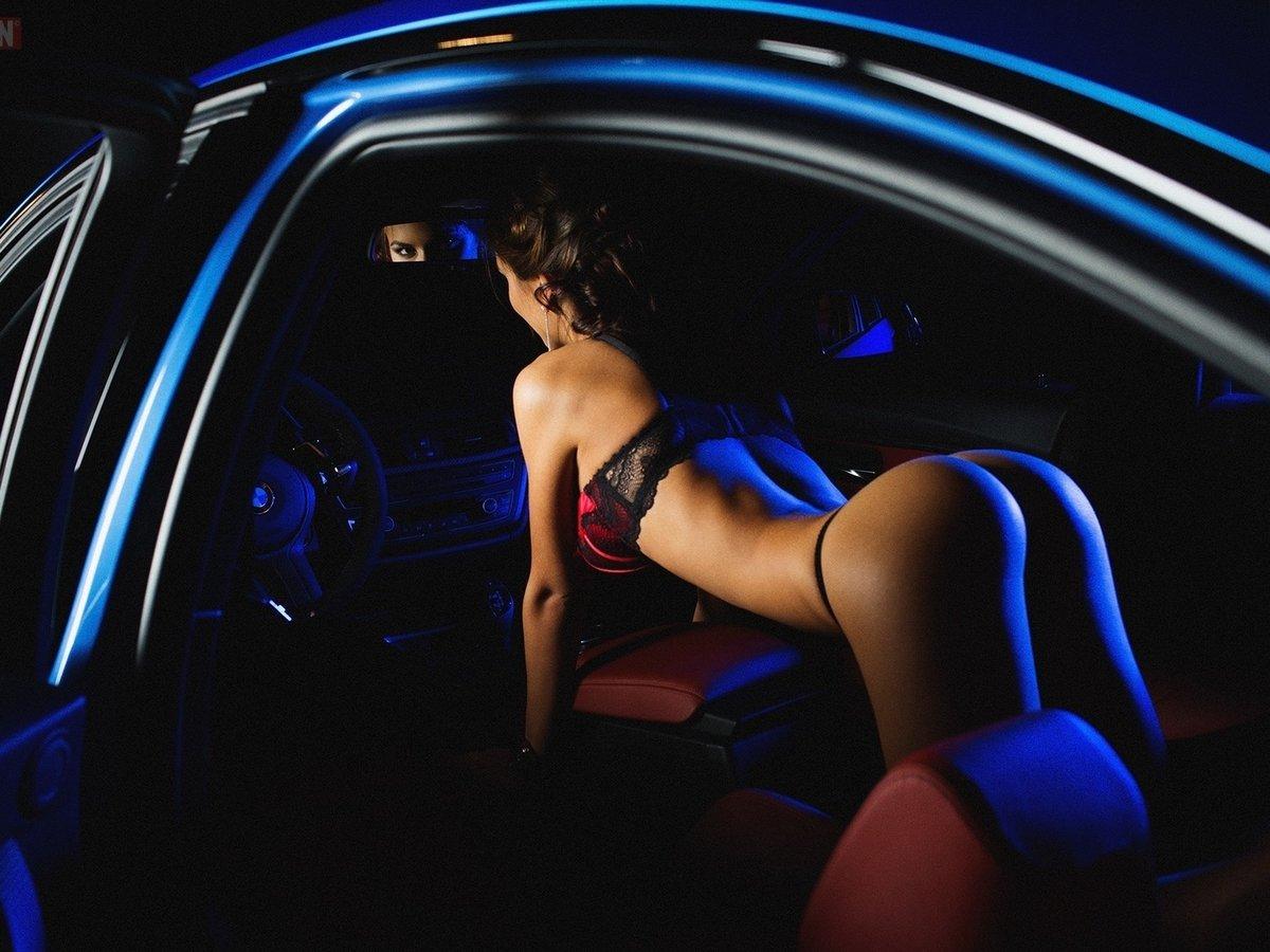 Эротические фото девушек в сексуальных костюмах