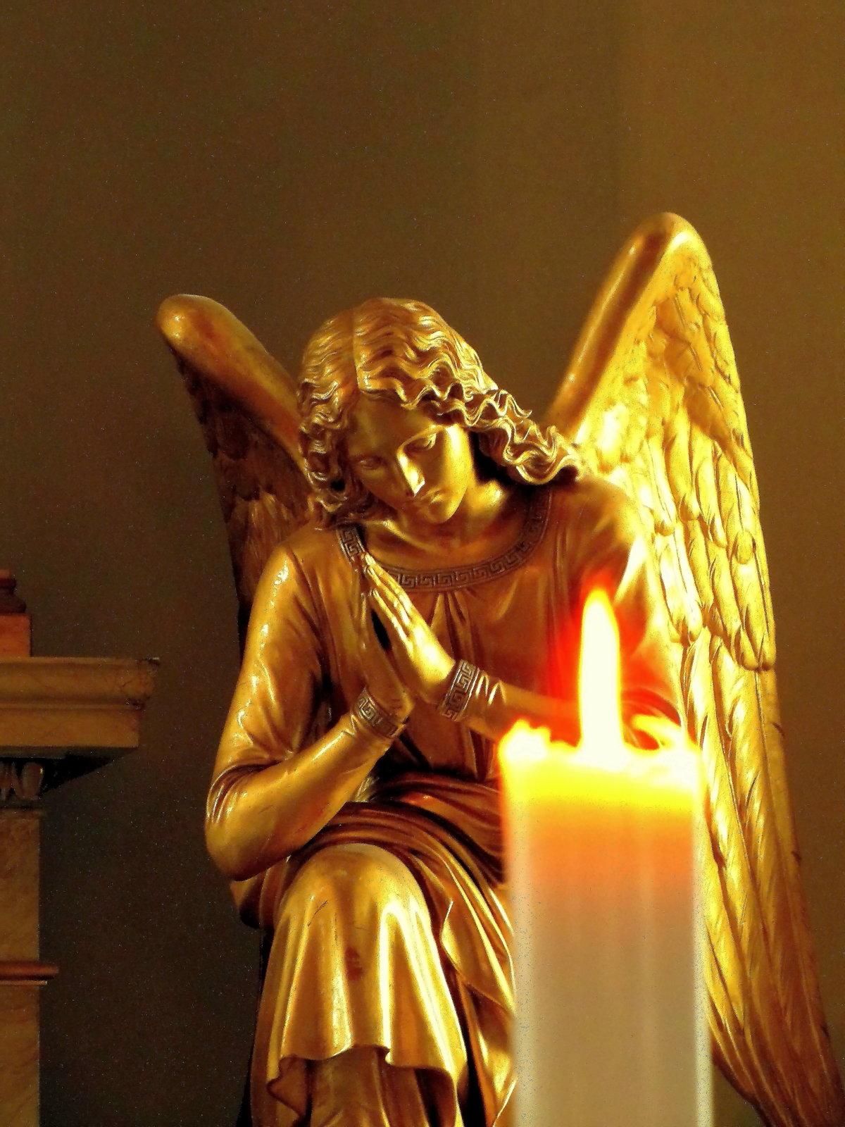 свечи с ангелами картинки расположены только главном