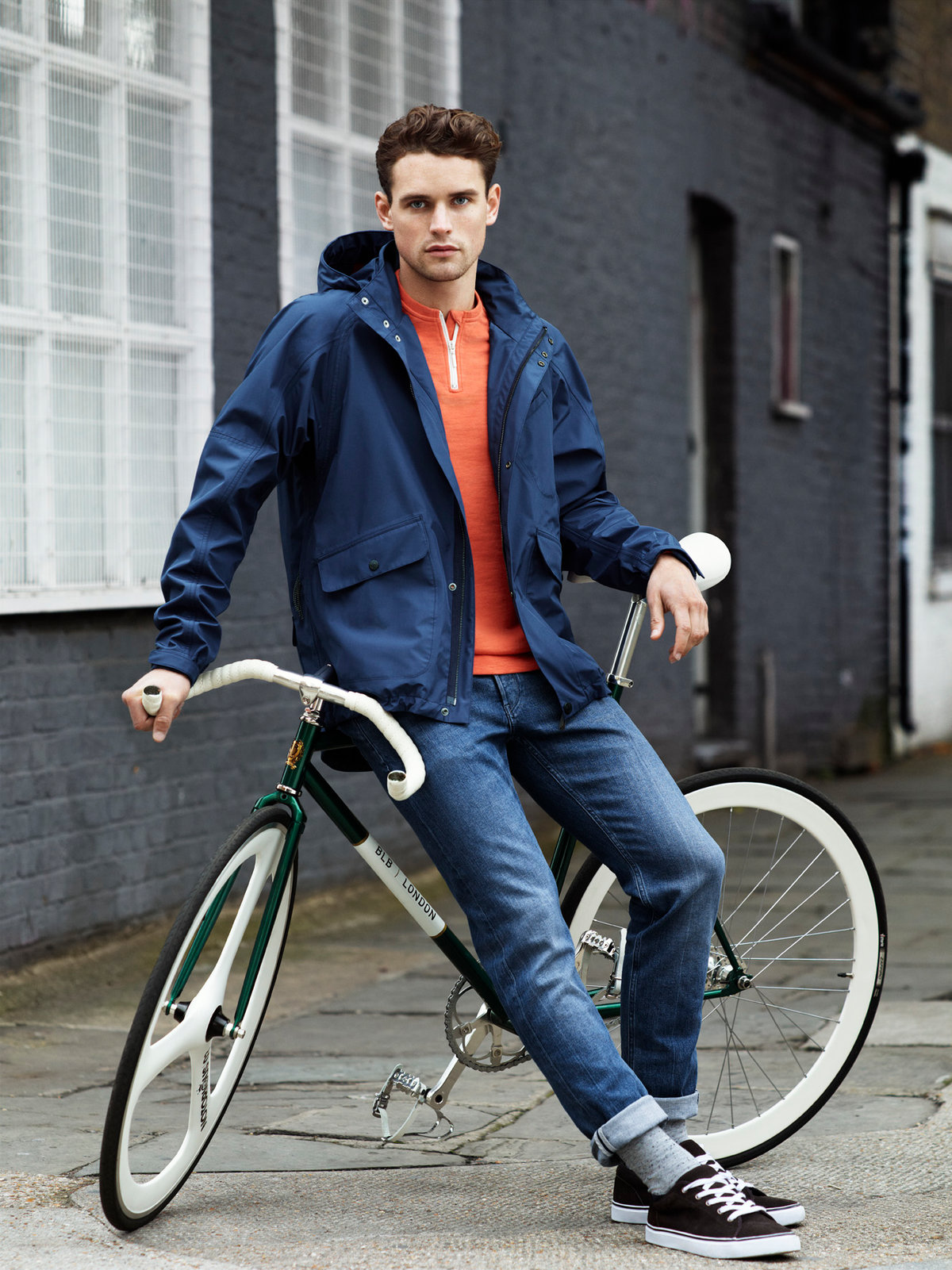 Фото мужчина на велосипеде