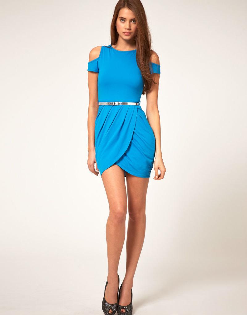 настроена фото девушка в голубом наряде такая