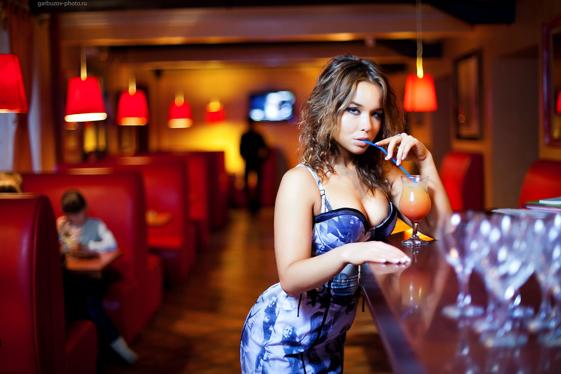 как удачно сфотографироваться в кафе девушки