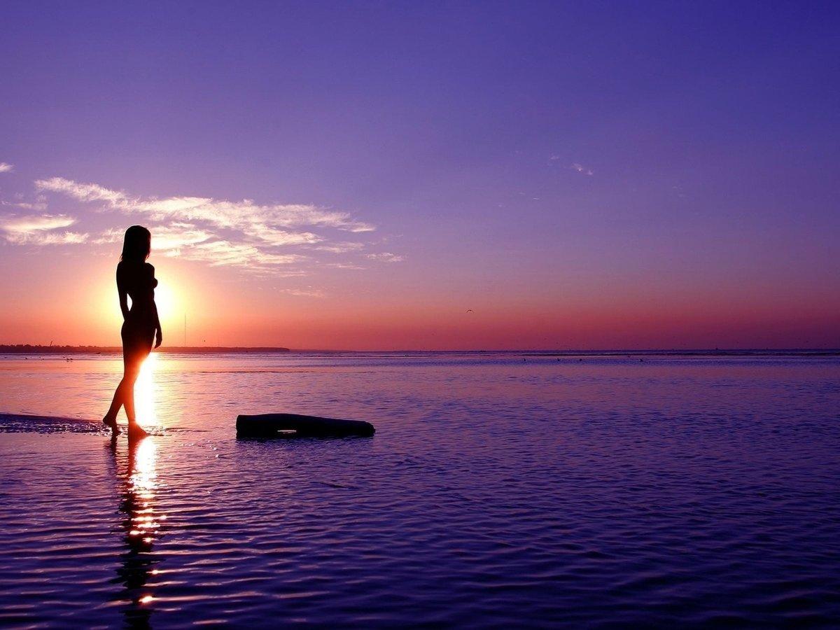 Картинки море и девушка, надписью все