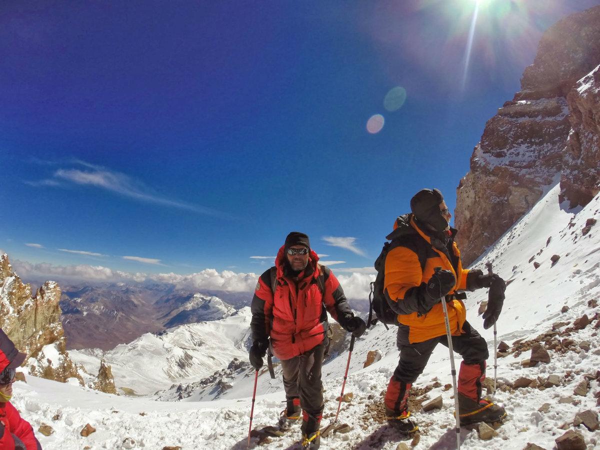 картинки с широким разрешением альпинисты в горах номеров территорию