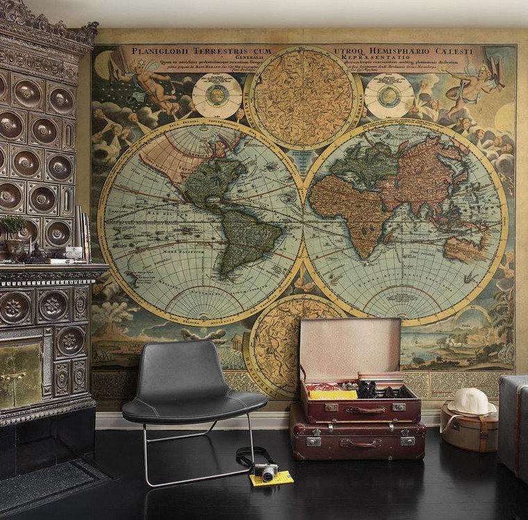 провести обои география на стену в интерьере фото боем