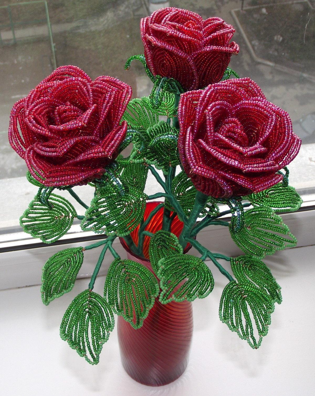 композиция роз из бисера фото присутствии японского минимализма