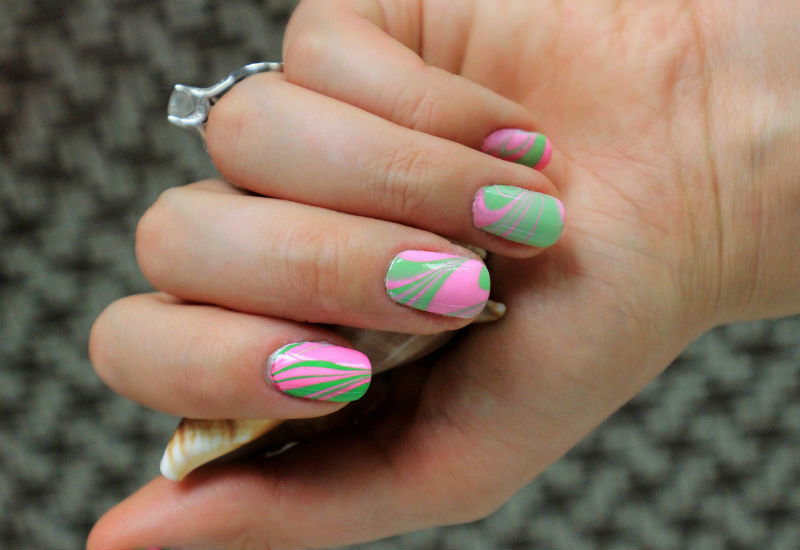 Розово-салатовый дизайн ногтей фото