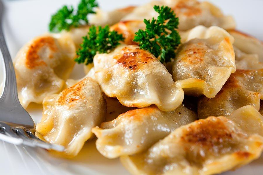 Блюда из пельменей на сковороде рецепты с фото