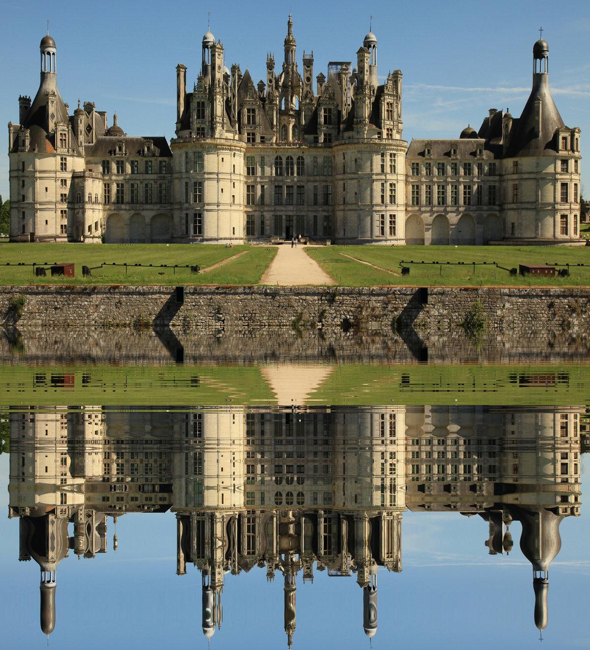 антенну самые известные дворцы мира фото и названия семье пришлось