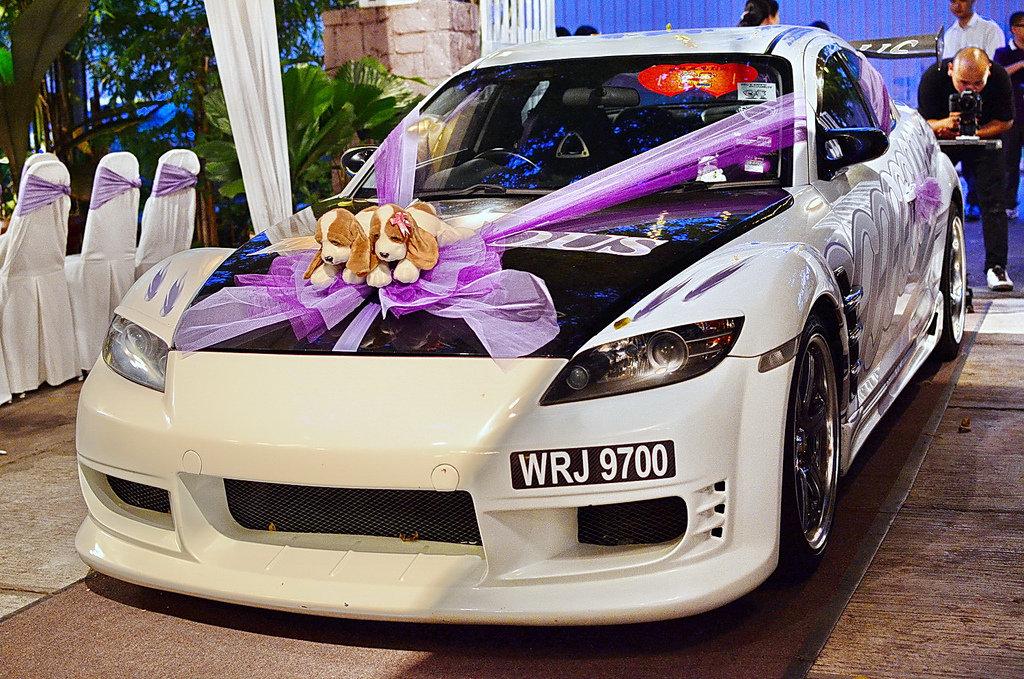 Украшение машины на свадьбу фото