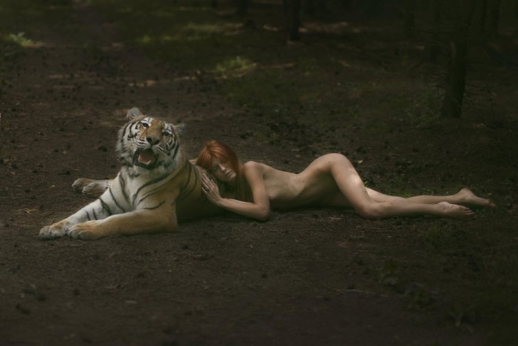 Nude woman and tiger — 13