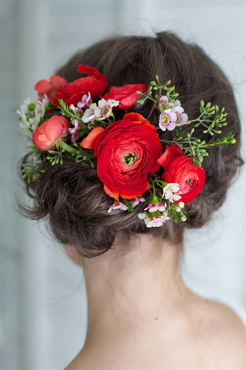 Фото цветы в волосах