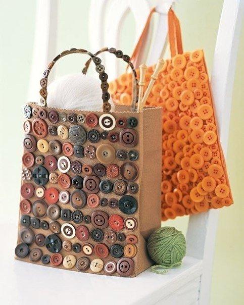 70049617475b Декор сумок своими руками дома пуговицами Декор сумок своими руками дома  пуговицами
