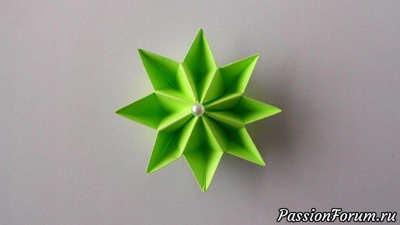 Как просто сделать цветок из бумаги своими руками