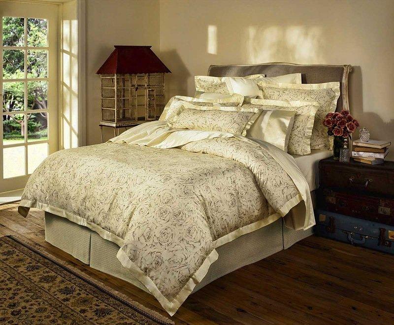 Подушки декоративные в спальню фото