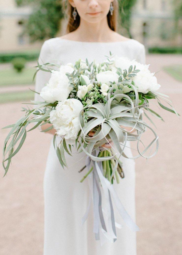 Корзины, асимметричный свадебный букет
