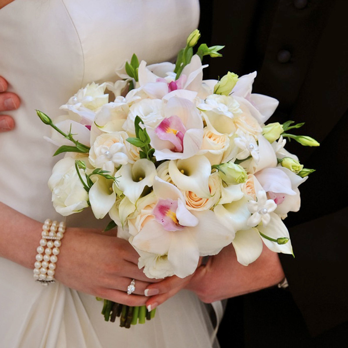 Свадебные букеты каллы и фаленопсис, цветов иркутску