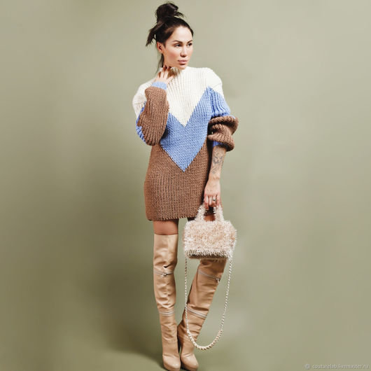073caea876e ... Купить или заказать Женское вязаное свитер платье ручной работы в интернет  магазине на Ярмарке Мастеров.