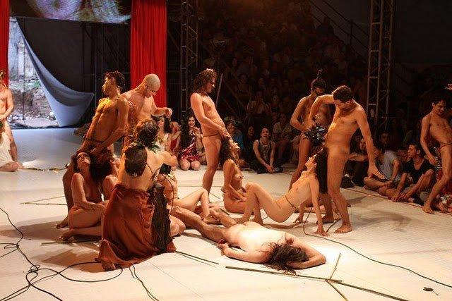 как секс в театрах сценах спектаклях видео дело