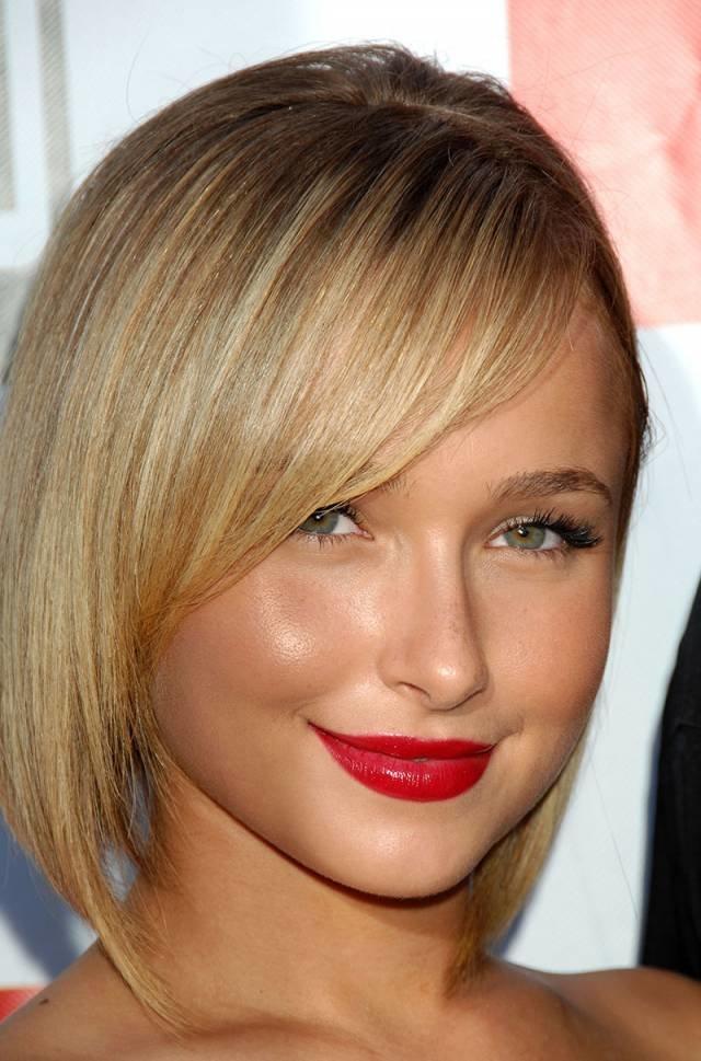 Для женщин и девушек с тонкими волосами следует выбирать короткие стрижки с длина волос не ниже подбородка.