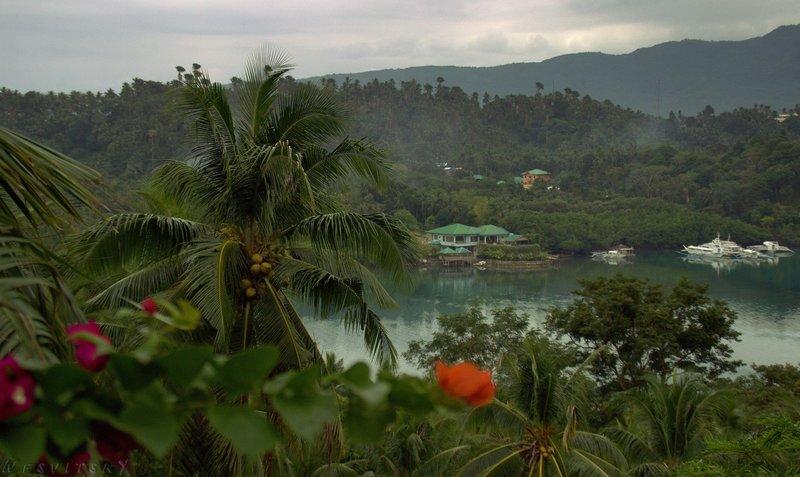 Бухта на острове Миндоро на Филиппинах