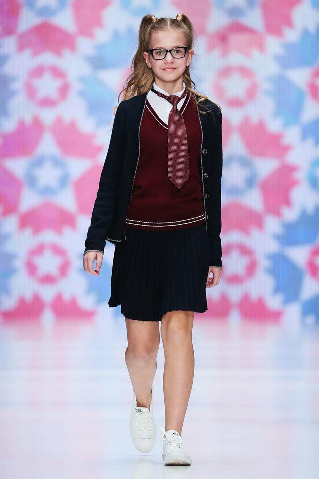 Мода классической британской школьной формы не выходит из моды