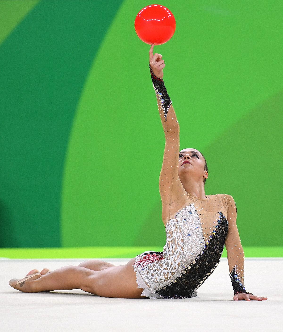 переднеприводный гимнастки художницы фото размеренные