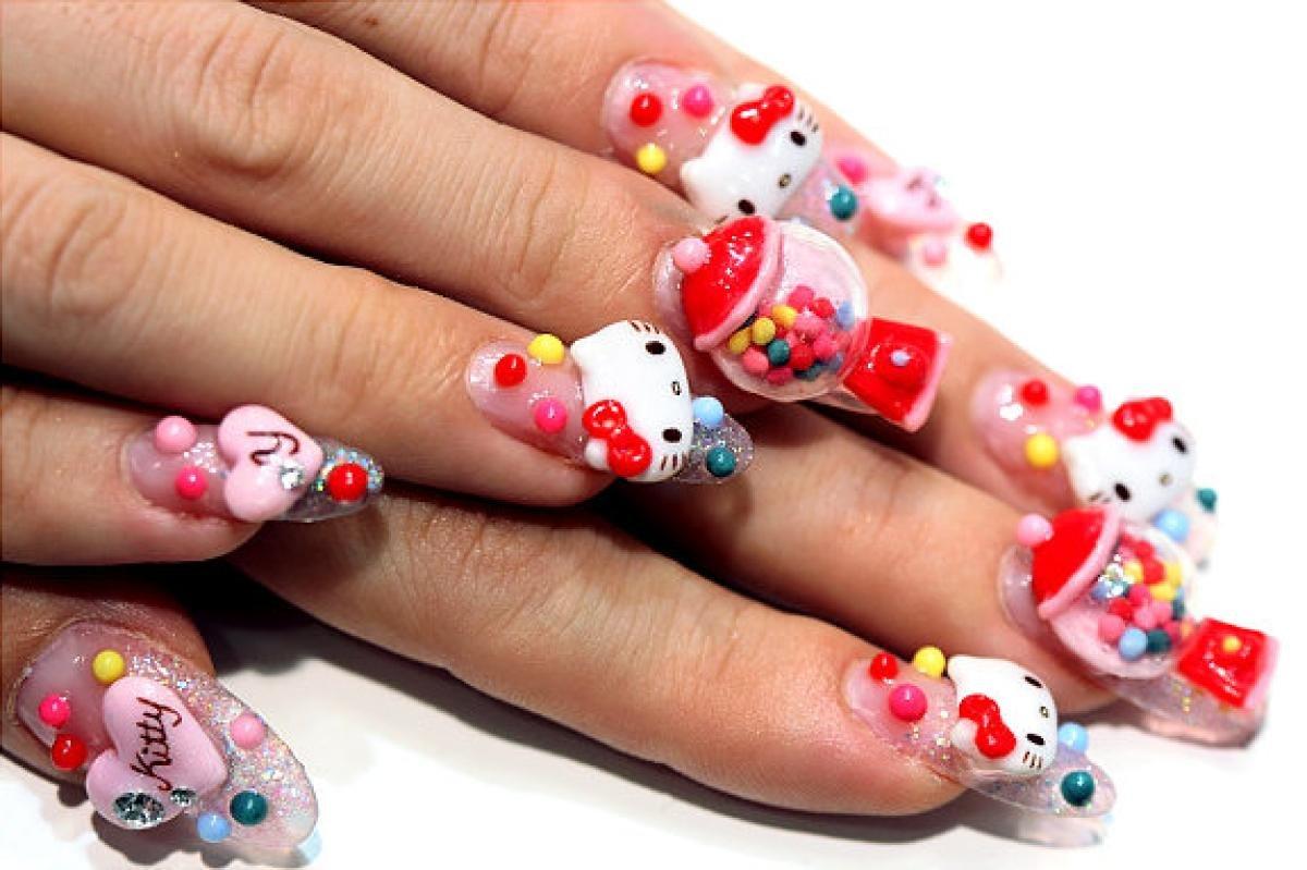 ней самые необычные рисунки на ногтях фото изображение