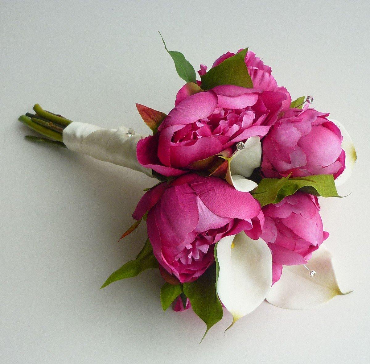 Склад цветов, букет из пионов и калл